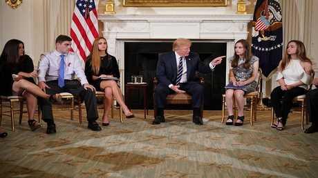 ترامب مع معلمين وطلاب في البيت الأبيض، 21 فبراير 2018