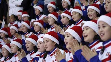 مشجعات من كوريا الشمالية في أولمبياد بيونغ تشانغ