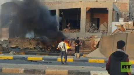 قتلى وجرحى بتفجير سيارة مفخخة استهدف معسكرا لقوات مكافحة الإرهاب بعدن