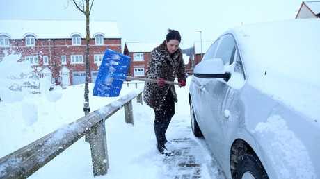 الثلوج اليوم في بريطانيا
