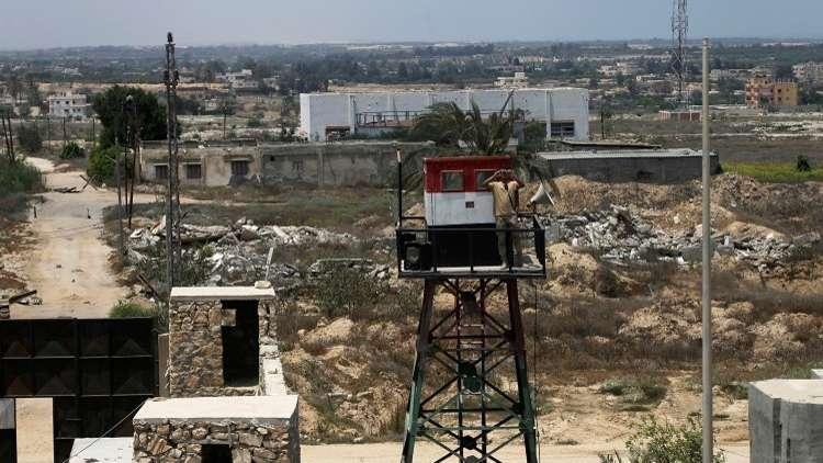 إصابة فلسطيني في رفح بقذيفة مصرية