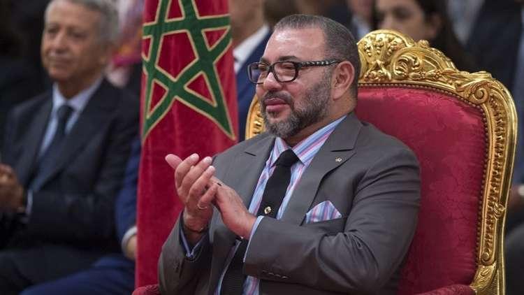 العاهل المغربي يغادر مستشفى باريسي بعد جراحة ناجحة (صور)