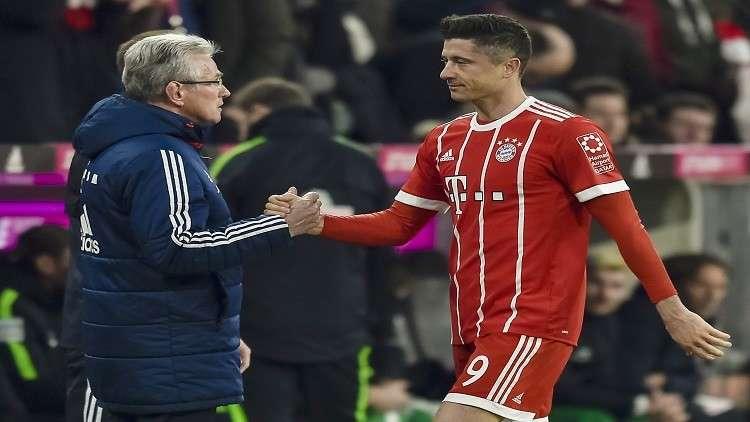 مدرب بايرن ميونيخ ينصح ليفاندوفسكي بالتركيز مع الفريق