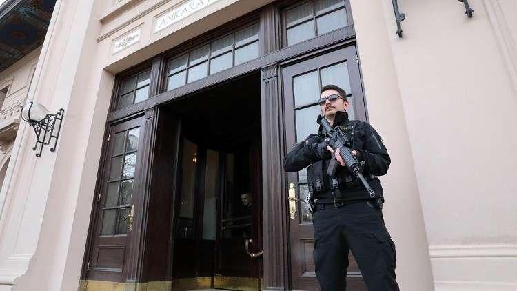 اتهام اثنين من العسكريين اليونانيين بالتجسس في تركيا
