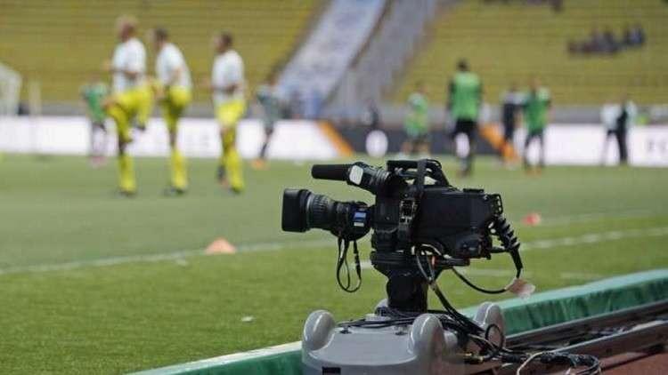 تقنية الفيديو تضع كرة القدم في مفترق طرق تاريخي