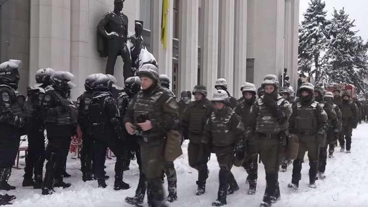 الأمن الأوكراني يقتحم مخيم أنصار سآكاشفيلي في كييف