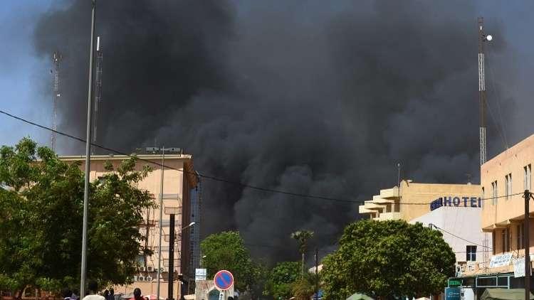 رئيس بوركينا فاسو يتوعد المتشددين بعد اعتداء العاصمة واغادوغو الإرهابي