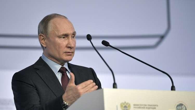 بوتين: تمديد واشنطن العقوبات إثبات لضعفها