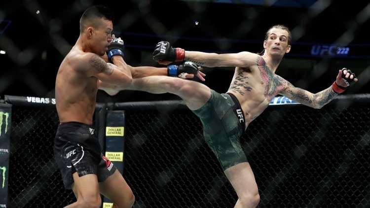 مقاتل يصمد على ساق واحدة حتى النهاية ويفوز (بالفيديو)
