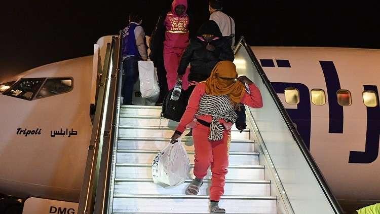 مفوضية اللاجئين تعلن ترحيل 1334 أجنبيا من ليبيا