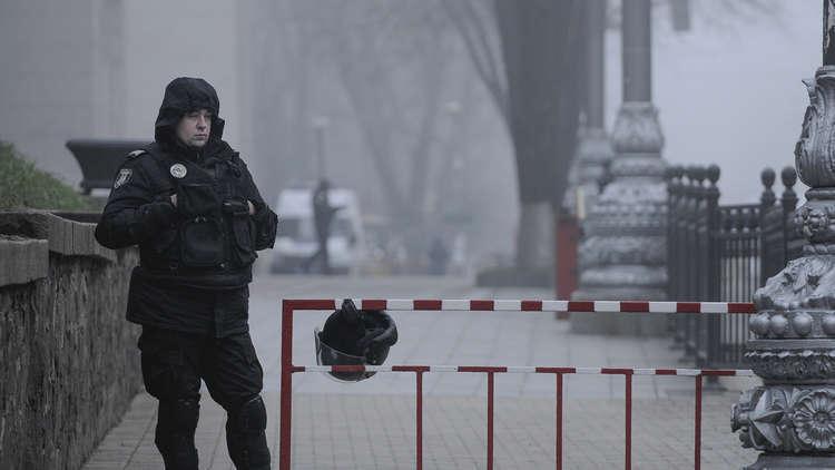 مجهولون يقصفون مطعما وسط كييف بالـ