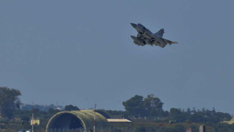 مقاتلات قطرية تتصدى لطائرة إماراتية عسكرية