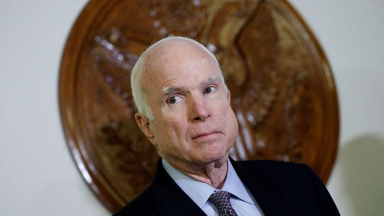 مصادر: صقر الأمن القومي الأمريكي السيناتور جون ماكين سيترك منصبه قريبا