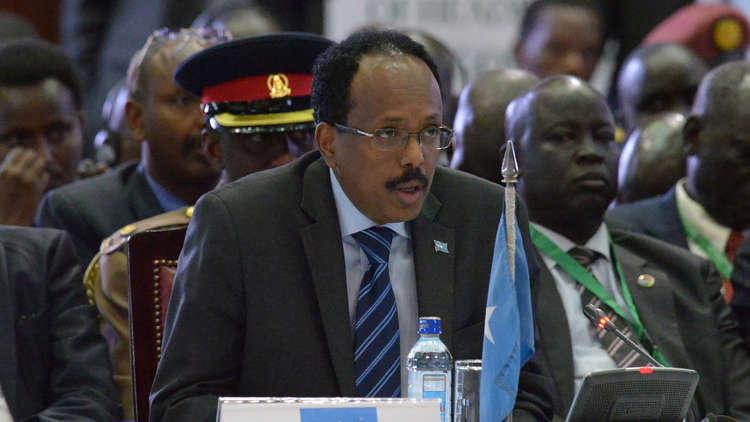 رئيس الصومال يوجه تحذيرا ضمنيا للإمارات