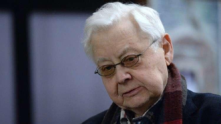 وفاة فنان الشعب السوفيتي أوليغ تاباكوف