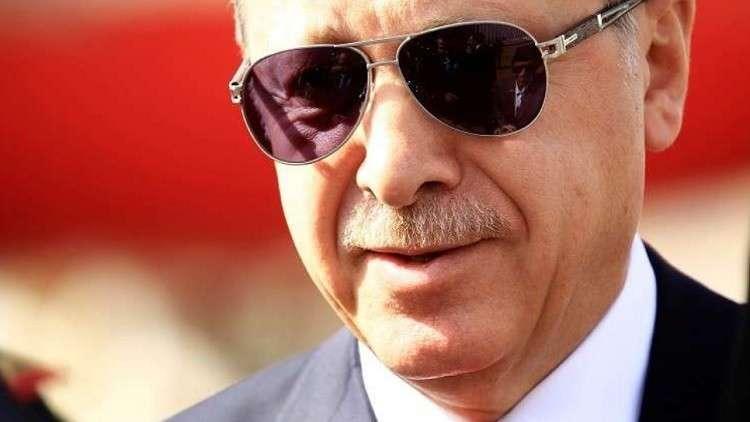 أردوغان يشهد على عقد قران لاعب برشلونة السابق