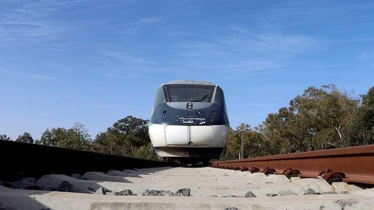 خط حديدي يربط الإمارات بالسعودية في 2021