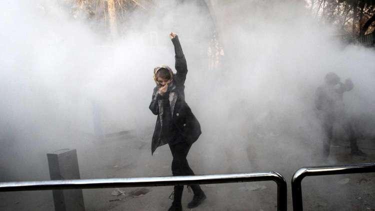 إيران.. 11 حكما بالسجن على خلفية احتجاجات مشهد