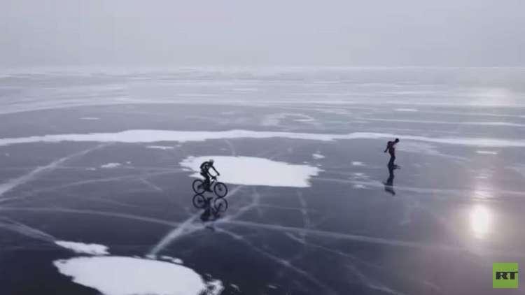 سباق العاصفة الجليدية في بحيرة بايكال