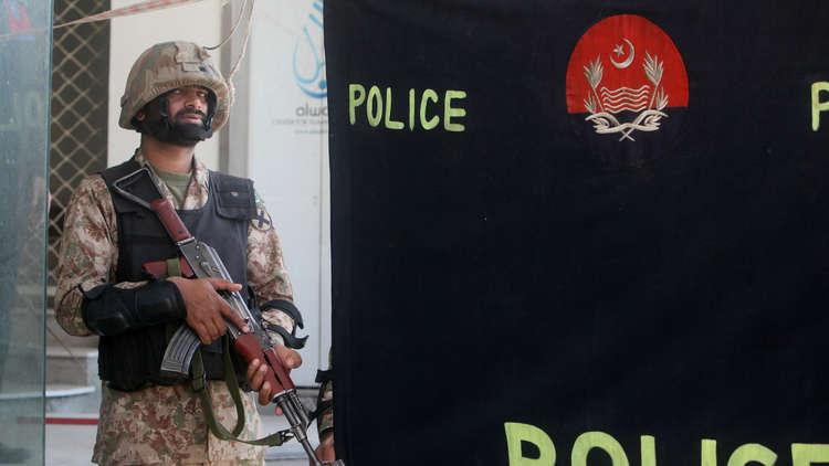 7 قتلى جراء تفجير استهدف حاجزا أمنيا قرب لاهور الباكستانية