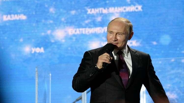 بوتين لسكان القرم: قراركم بالعودة إلى حضن الوطن تاريخي
