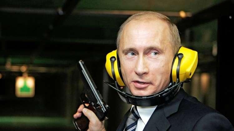 بوتين: كنت أنام والمسدس بجانبي!