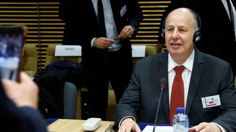 وزير إسرائيلي يبهم في تقييمه دعم قطر لحماس