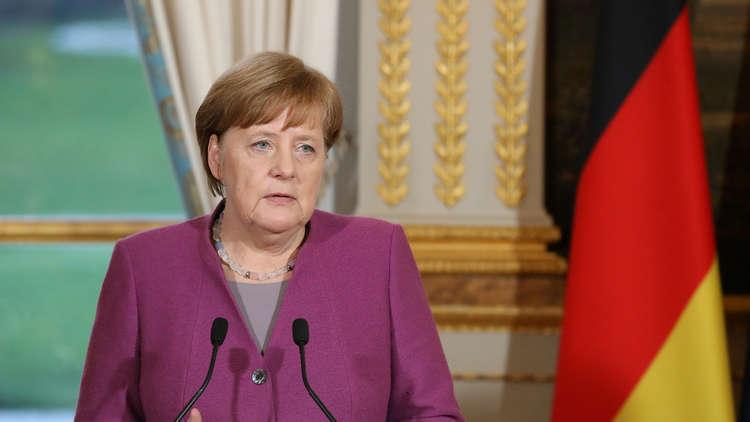 ميركل ترد على وزير داخليتها: الإسلام ينتمي إلى ألمانيا