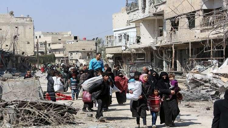 استمرار إجلاء المدنيين عن الغوطة الشرقية عبر معبر حمورية