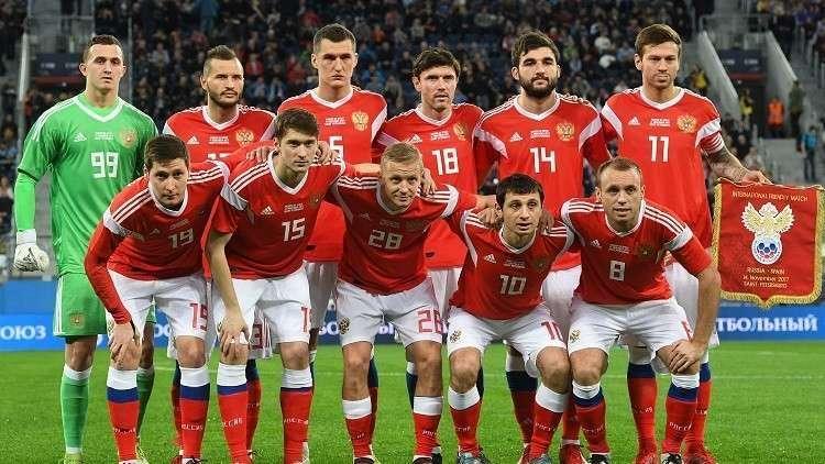 أعضاء المنتخب الروسي لكرة القدم يدلون بأصواتهم في الانتخابات الرئاسية