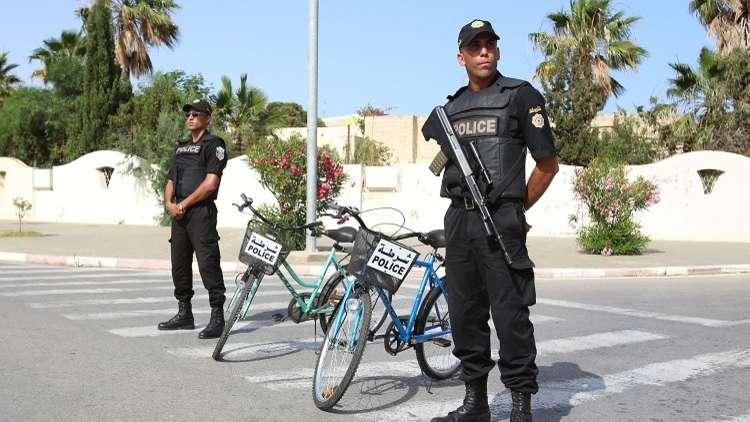 مراسلتنا: انتحاري يفجر نفسه بعد محاولته الفرار في مدينة بن قردان التونسية