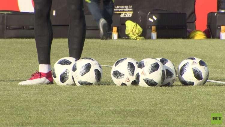 منتخب البرازيل يجري تدريباته في موسكو