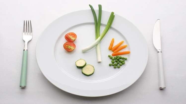 علماء: الجوع يحارب شيخوخة الدماغ