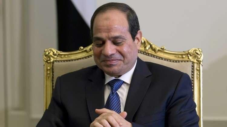 السيسي يهنئ المصريات ويدعوهن للمشاركة في التصويت