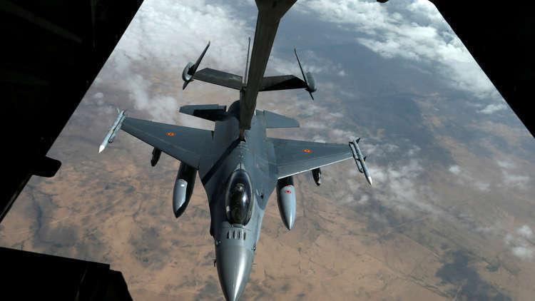 التحالف العربي يعلن تعرض إحدى مقاتلاته لصاروخ من مطار صعدة
