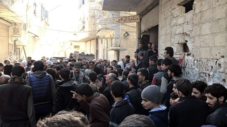 حميميم: نحو 90 ألف شخص غادروا الغوطة الشرقية منذ فتح الممرات الإنسانية