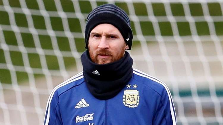 """شاهد.. ميسي يخترق """"يغربل"""" دفاع الأرجنتين استعداد لمواجهة إيطاليا"""