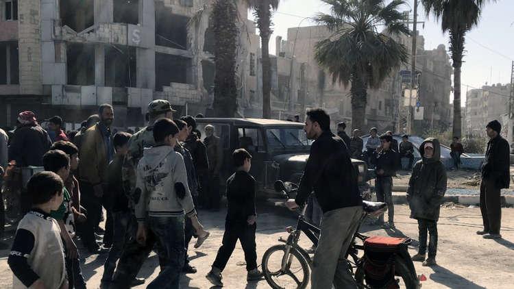 الدفاع الروسية: خروج 7128 شخصا من الغوطة الشرقية الخميس عبر مخيم الوافدين