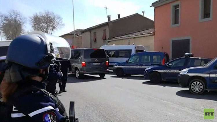 مقتل محتجز الرهائن جنوب غرب فرنسا وداعش يتبنى