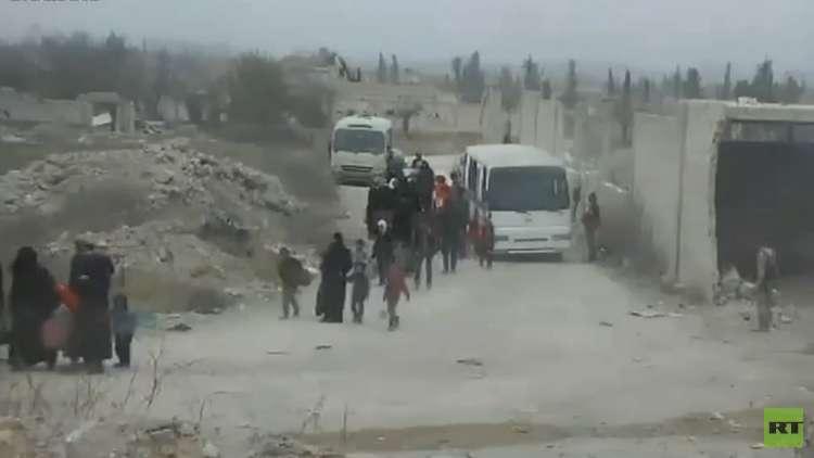 105 آلاف مدني خرجوا من الغوطة الشرقية لدمشق وعملية الإجلاء مستمرة