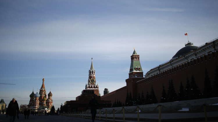 برلماني روسي: الغرب ينتهج استراتيجية بعيدة الأمد لعزل روسيا