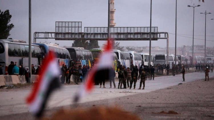 بدء خروج الدفعة الثالثة من مسلحي جنوب الغوطة الشرقية إلى إدلب