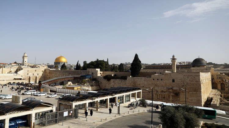 إسرائيل تستنفر وتغلق الضفة الغربية والقدس 8 أيام