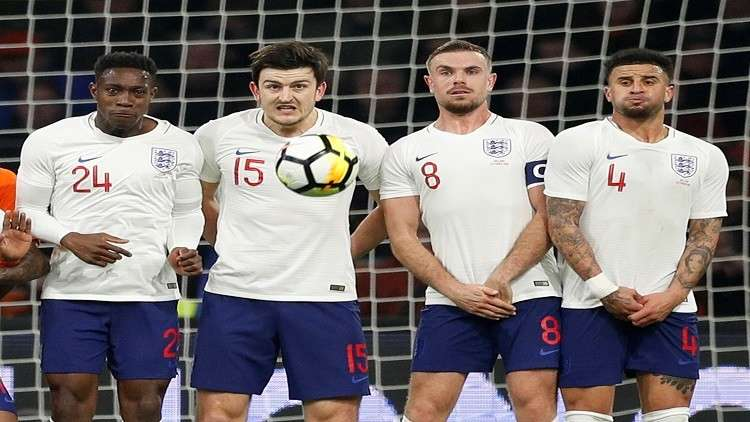 صفقة دعاية تحرم إنجلترا من اللعب بكرة مونديال 2018