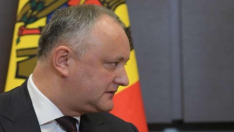 حكومة مولدوفا تخالف رئيس الدولة وتعلن طرد دبلوماسيين روس