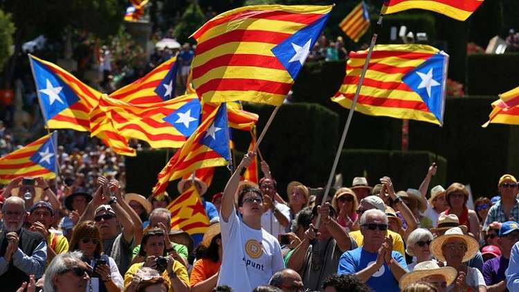 الانفصاليون في كتالونيا يغلقون الطرق احتجاجا على اعتقال بوتشديمون