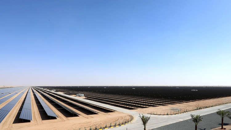 السعودية تنشئ أكبر مشروع للطاقة الشمسية في العالم