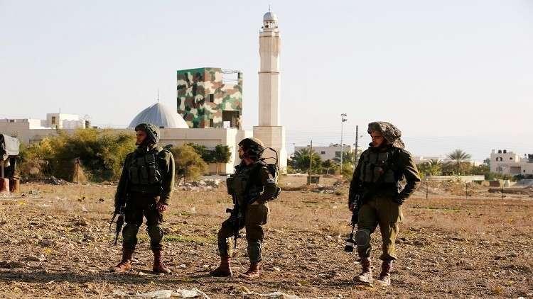 إسرائيل تصعد وتطلب من المستوطنين حمل السلاح يوم الجمعة