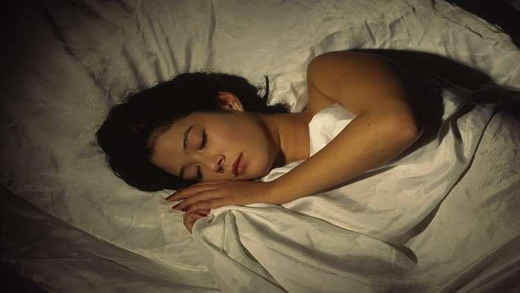 متى يكون النوم ليلا ضارا بالصحة؟