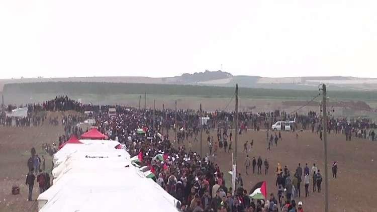 مقتل 15 فلسطينيا بغزة في ذكرى يوم الأرض